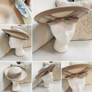 VINTAGE Audrey New York Hat EUVC Bow detail